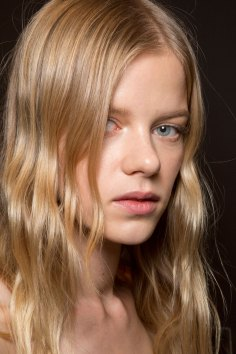 Gucci0-backsatge-beauty-spring-2016-fashion-show-the-impression-025