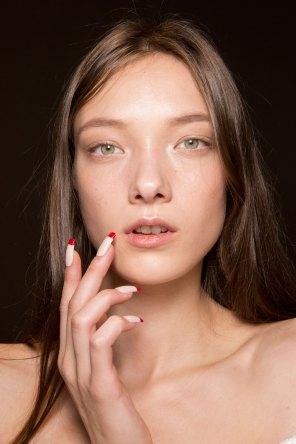 Gucci0-backsatge-beauty-spring-2016-fashion-show-the-impression-038