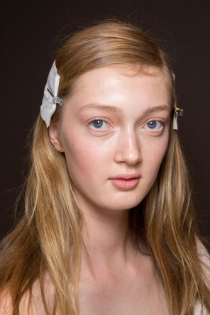 Gucci0-backsatge-beauty-spring-2016-fashion-show-the-impression-067