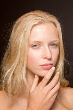 Gucci0-backsatge-beauty-spring-2016-fashion-show-the-impression-090