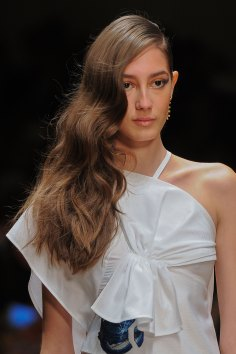 Guy-Laroche-spring-2016-runway-beauty-fashion-show-the-impression-31