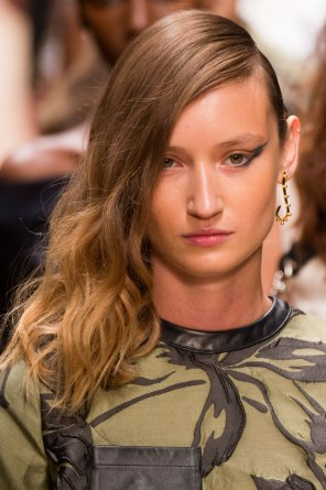Guy-Laroche-spring-2016-runway-beauty-fashion-show-the-impression-62