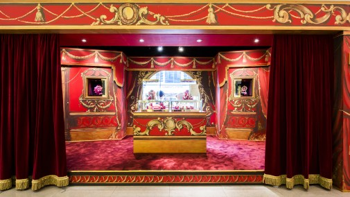 Harrods-dolce-gabbana-holiday-2017-takeover-the-impression-14