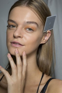 Holly-Fulton-beauty-spring-2016-fashion-show-the-impression-049