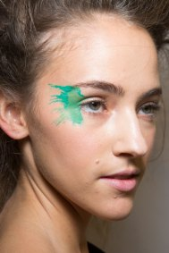 Issey-Miyake-spring-2016-beauty-fashion-show-the-impression-10