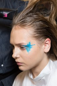 Issey-Miyake-spring-2016-beauty-fashion-show-the-impression-17