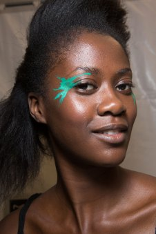 Issey-Miyake-spring-2016-beauty-fashion-show-the-impression-21