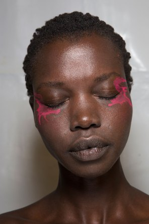 Issey-Miyake-spring-2016-beauty-fashion-show-the-impression-72