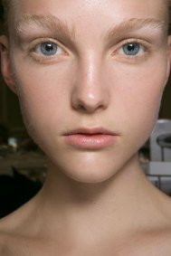 JW-Anderson-beauty-spring-2016-fashion-show-the-impression-003