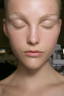 JW-Anderson-beauty-spring-2016-fashion-show-the-impression-004