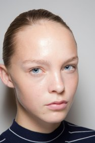 JW-Anderson-beauty-spring-2016-fashion-show-the-impression-047