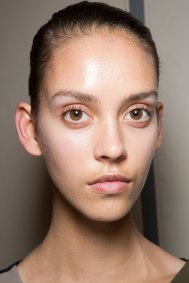 JW-Anderson-beauty-spring-2016-fashion-show-the-impression-055