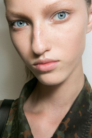Jil-Sander-backstage-beauty-spring-2016-close-up-fashion-show-the-impression-009