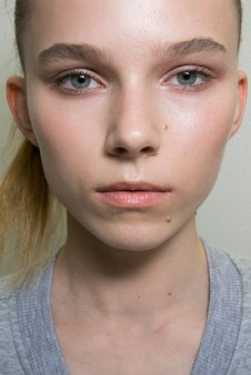 Jil-Sander-backstage-beauty-spring-2016-close-up-fashion-show-the-impression-030