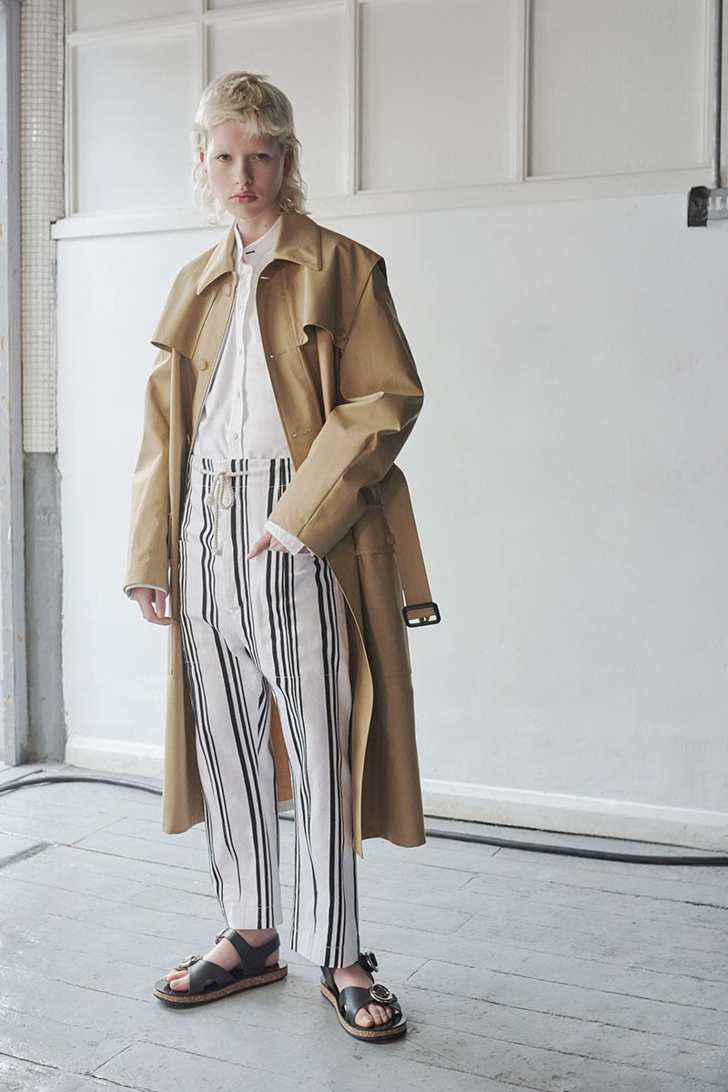 Joseph-resort-2017-fashion-show-the-impression-04