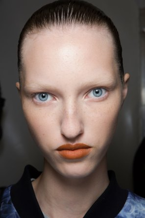 Kenzo-backstage-beauty-spring-2016-fashion-show-the-impression-012