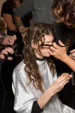 Lemaire-spring-2016-beauty-fashion-show-the-impression-08