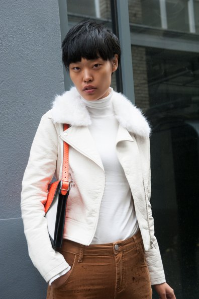 London-Fashion-Week-Street-Style-Day-1-spring-2016-the-impression-010