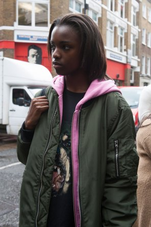 London-Fashion-Week-Street-Style-Day-1-spring-2016-the-impression-011
