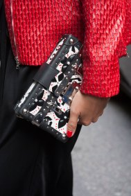 London-Fashion-Week-Street-Style-Day-1-spring-2016-the-impression-024