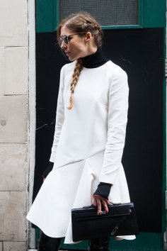 London-Fashion-Week-Street-Style-Day-1-spring-2016-the-impression-046