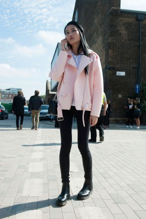 London-fashion-week-street-Style-Day-3-spring-2016-fashion-show-the-impression-011
