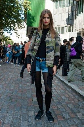 London-fashion-week-street-Style-Day-3-spring-2016-fashion-show-the-impression-025