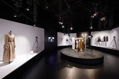 Louis-Vuitton-Volez-Voguez-Voyagez-tokyo-exhibit-the-impression-07