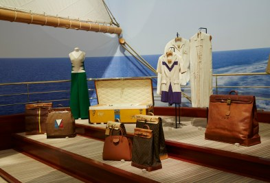 Louis-Vuitton-Volez-Voguez-Voyagez-tokyo-exhibit-the-impression-08