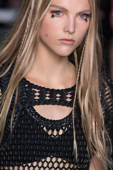 Louis-Vuitton-spring-2016-runway-beauty-fashion-show-the-impression-39