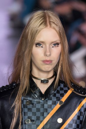 Louis-Vuitton-spring-2016-runway-beauty-fashion-show-the-impression-49