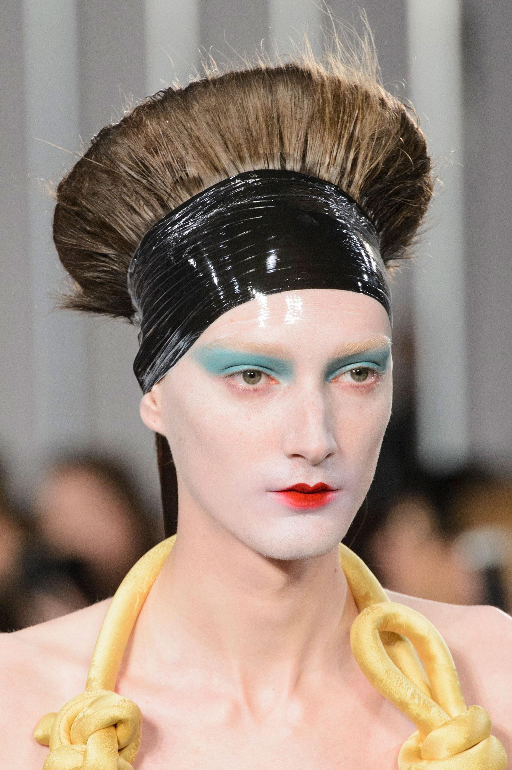 Maison-Margiela-spring-2016-runway-beauty-fashion-show-the-impression-030