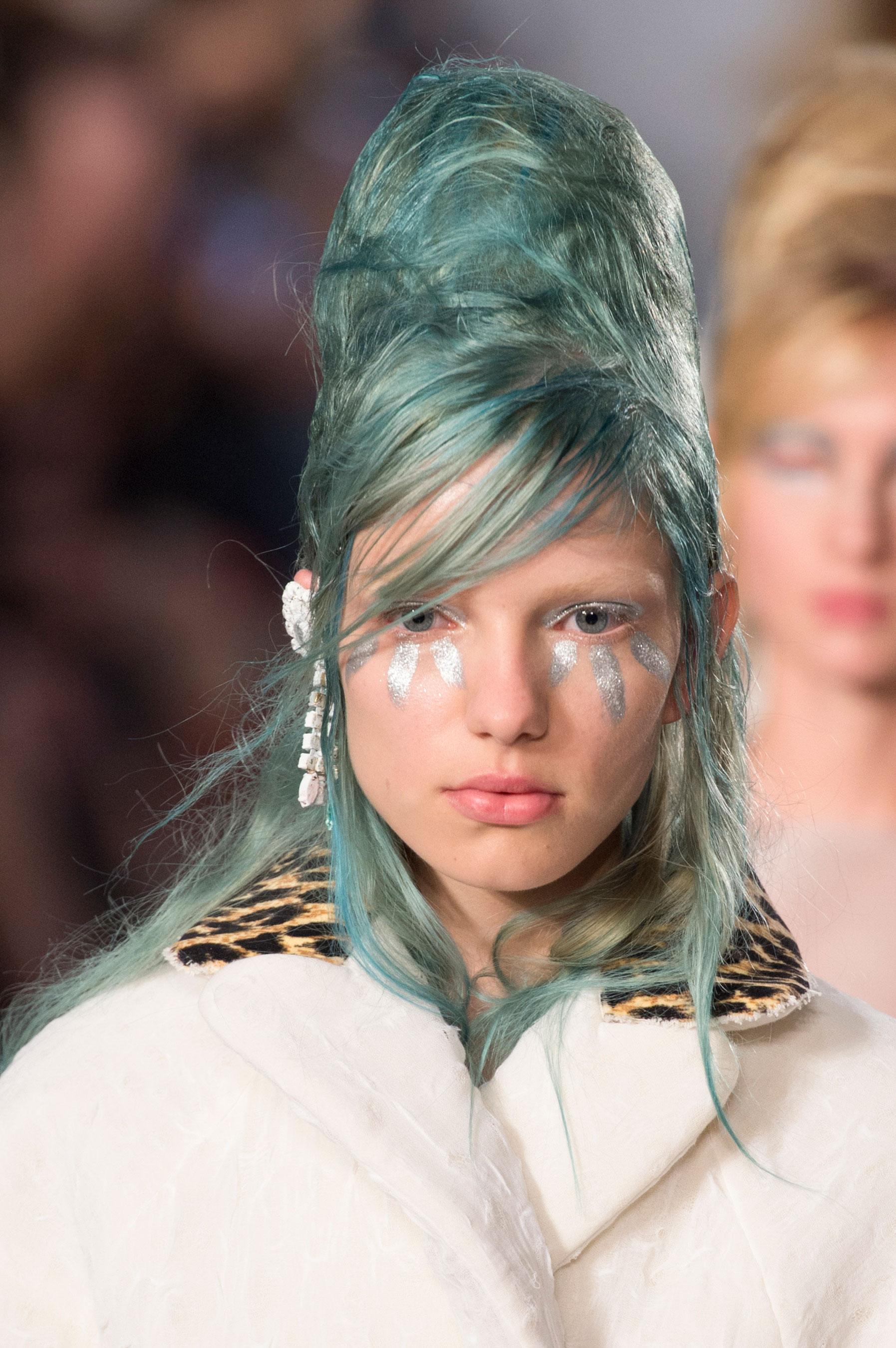 Maison-Margiela-spring-2016-runway-beauty-fashion-show-the-impression-055