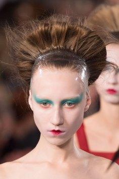 Maison-Margiela-spring-2016-runway-beauty-fashion-show-the-impression-091