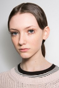 Marni-backstage-beauty-spring-2016-fashion-show-the-impression-006