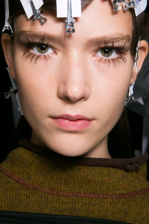 Marni-backstage-beauty-spring-2016-fashion-show-the-impression-021