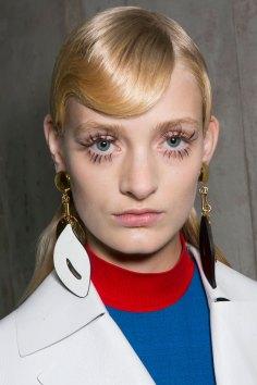 Marni-backstage-beauty-spring-2016-fashion-show-the-impression-049