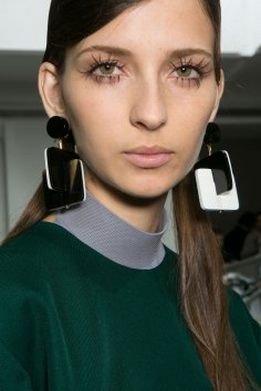Marni-backstage-beauty-spring-2016-fashion-show-the-impression-060