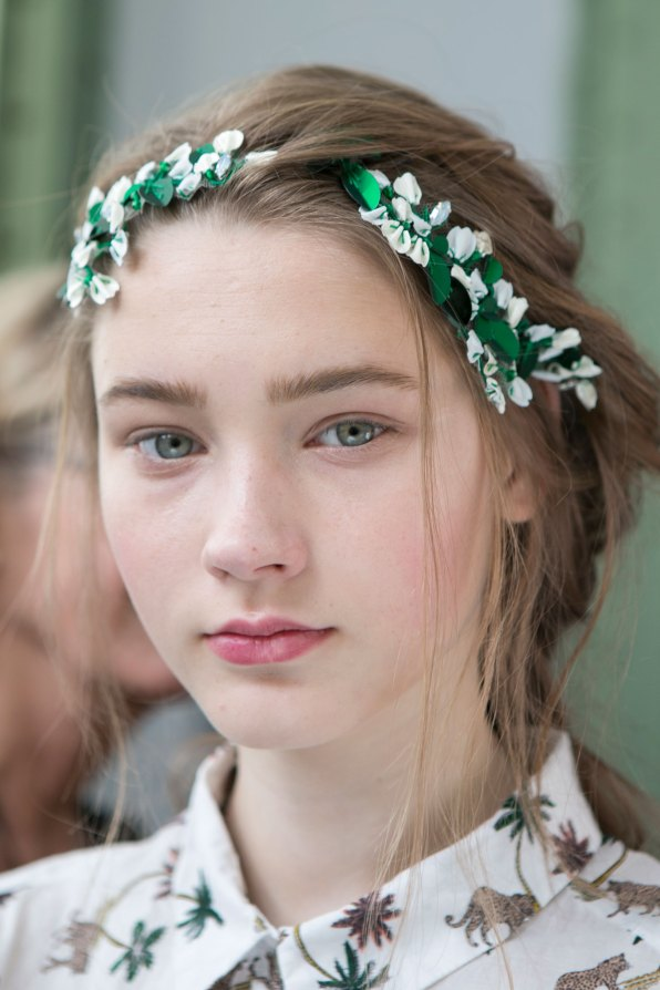 Moncler-Gamme-Rouge-spring-2016-beauty-fashion-show-the-impression-11