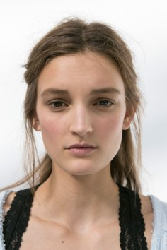 Moncler-Gamme-Rouge-spring-2016-beauty-fashion-show-the-impression-15
