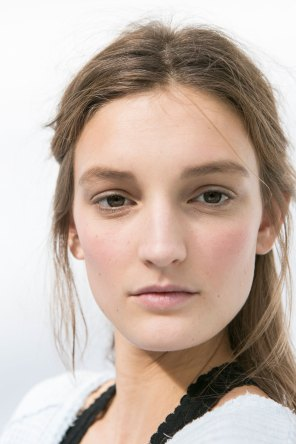 Moncler-Gamme-Rouge-spring-2016-beauty-fashion-show-the-impression-16