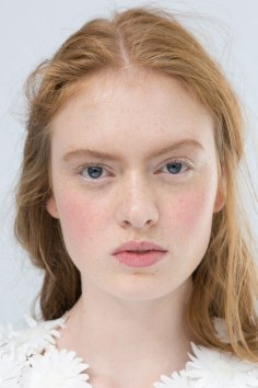 Moncler-Gamme-Rouge-spring-2016-beauty-fashion-show-the-impression-19