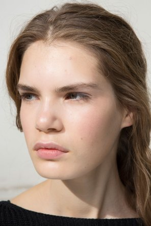 Moncler-Gamme-Rouge-spring-2016-beauty-fashion-show-the-impression-30