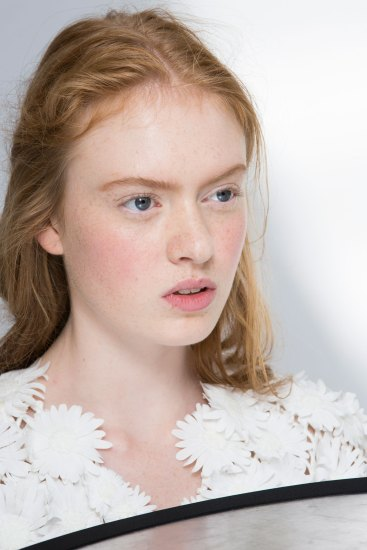 Moncler-Gamme-Rouge-spring-2016-beauty-fashion-show-the-impression-42