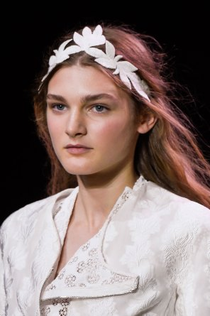 Moncler-Gamme-Rouge-spring-2016-runway-beauty-fashion-show-the-impression-02