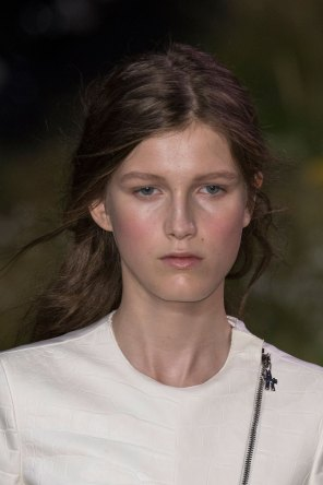Moncler-Gamme-Rouge-spring-2016-runway-beauty-fashion-show-the-impression-14