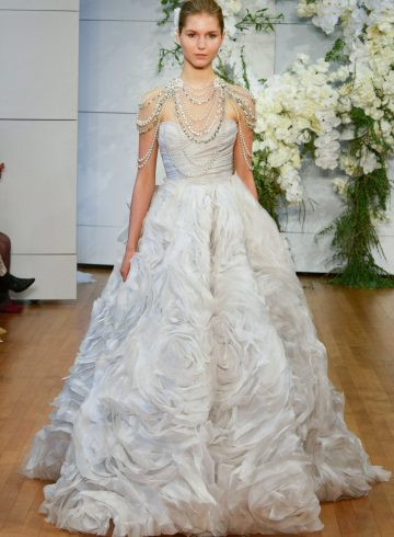 Monique Lhuiller Spring 2018 Bridal Fashion Show