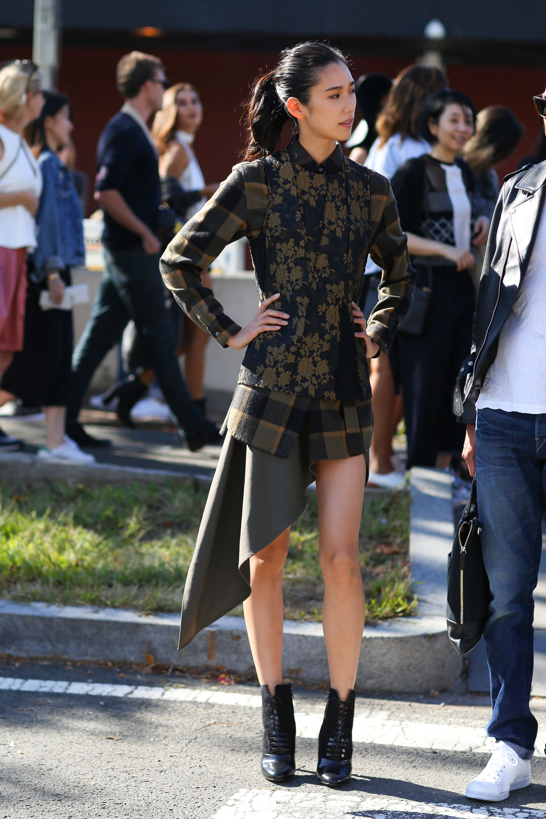 NEW-YORK-FASHION-WEEK-STREETS-STYLE-DAY5-spring-2016-fashion-show-the-impression-22