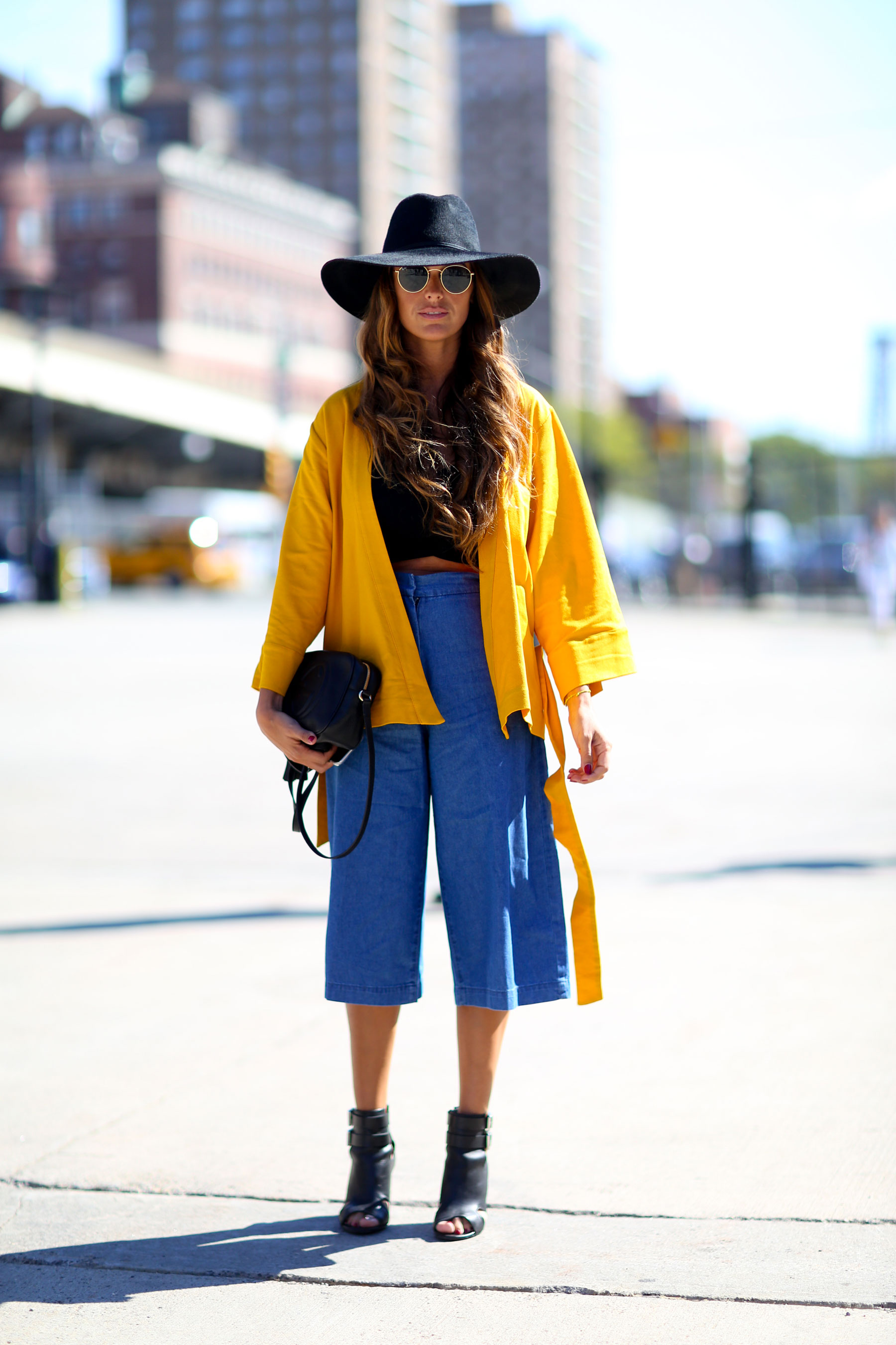 NEW-YORK-FASHION-WEEK-STREETS-STYLE-DAY5-spring-2016-fashion-show-the-impression-40