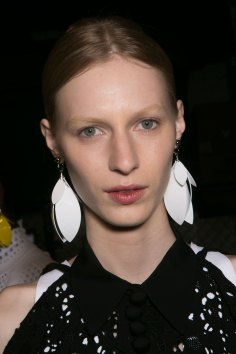 PROENZA-SCHOULER-beauty-spring-2016-fashion-show-the-impression-60